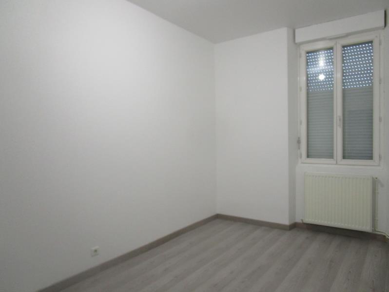 Rental apartment Montpon menesterol 535€ CC - Picture 3