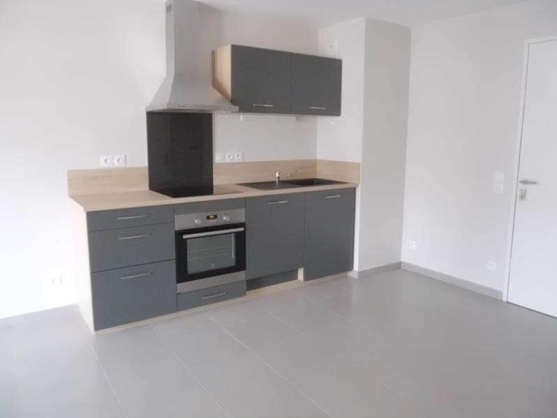 Rental apartment Chambery 567€ CC - Picture 2