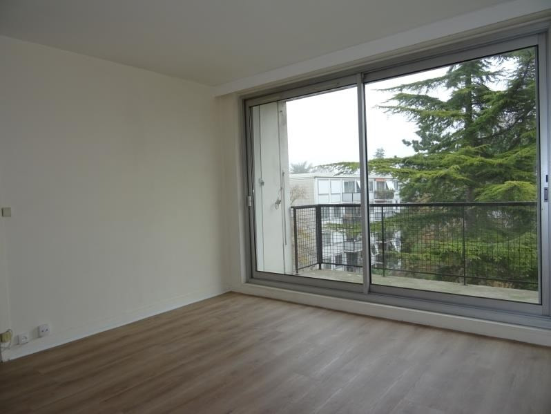 Rental apartment Marly le roi 960€ CC - Picture 2