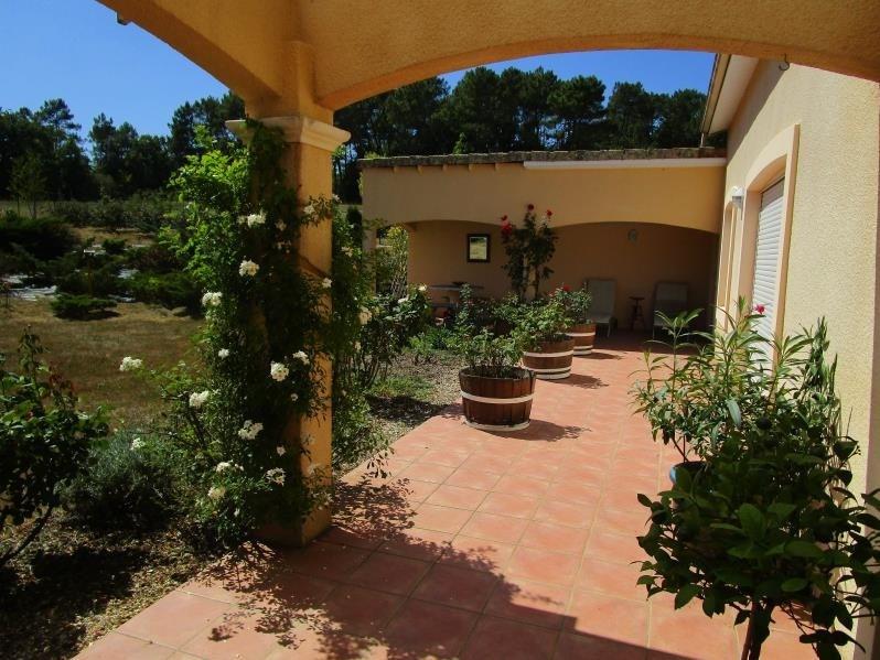 Sale house / villa Montpon menesterol 284000€ - Picture 2