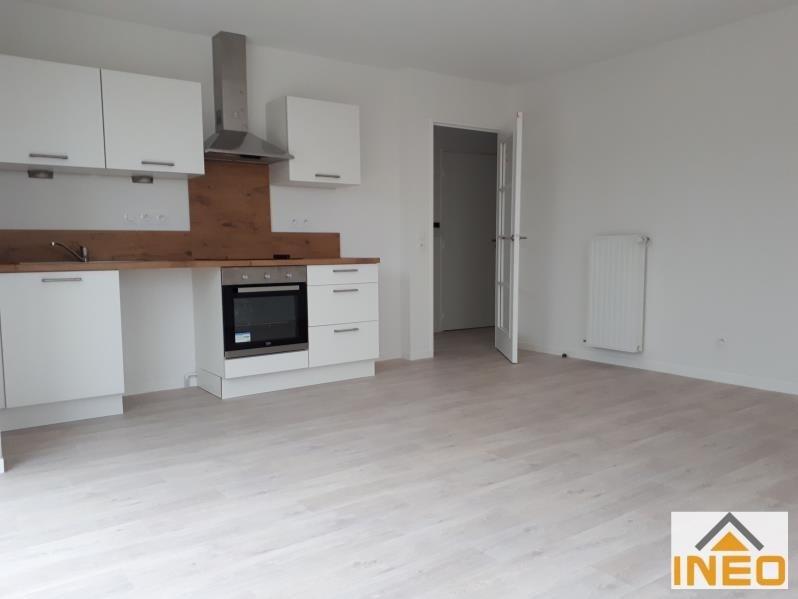 Location appartement Noyal chatillon sur seiche 640€ CC - Photo 3