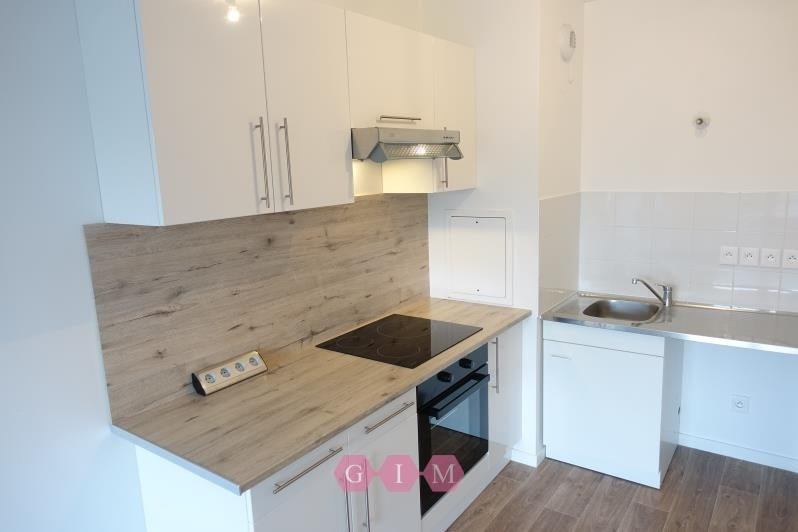 Rental apartment Carrieres sous poissy 711€ CC - Picture 3