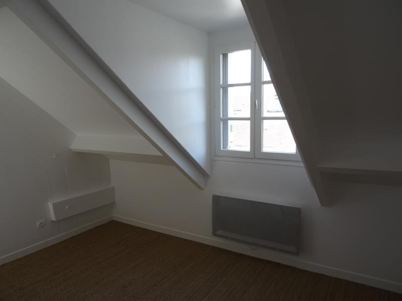 Locação apartamento Chambly 585€ CC - Fotografia 3