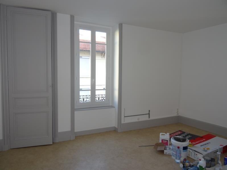 Location appartement Le coteau 355€ CC - Photo 4