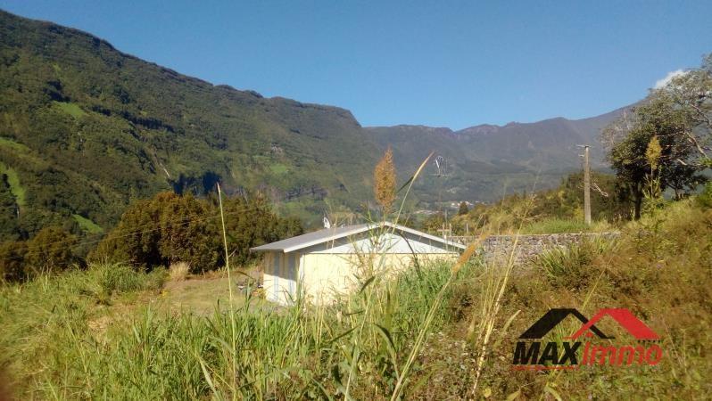 Terrain constructible salazie - 677 m²