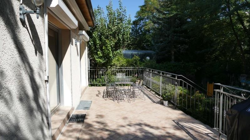 Sale house / villa Verrieres le buisson 740 000€ - Picture 2