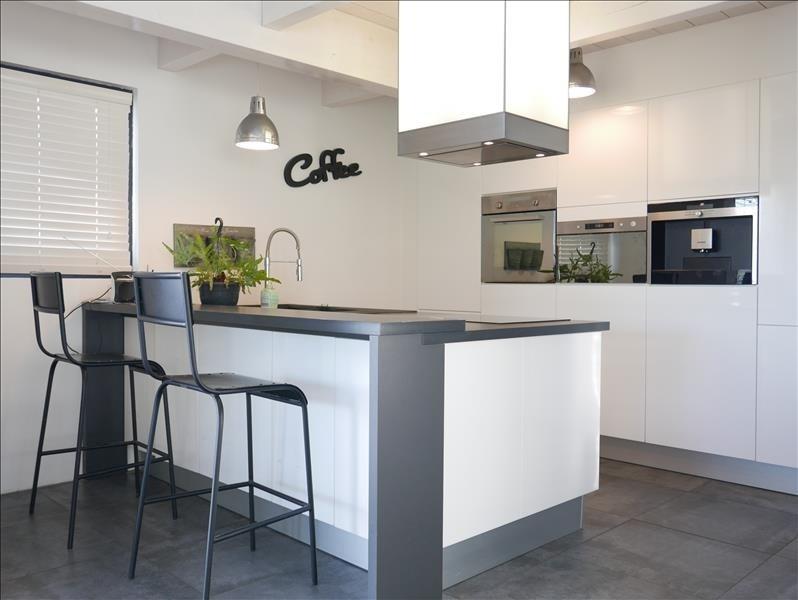 Deluxe sale house / villa Choisy 630000€ - Picture 2
