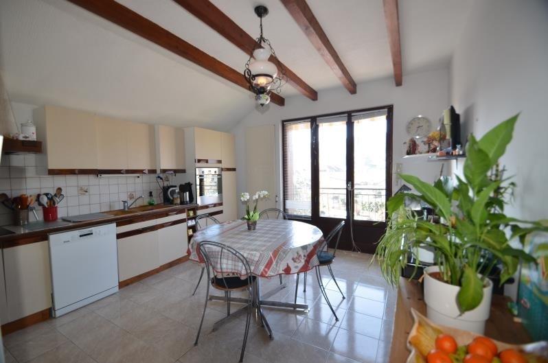 Sale apartment Poisy 440000€ - Picture 2