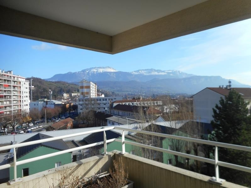 Rental apartment Voiron 856€ CC - Picture 1