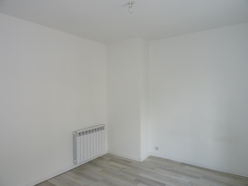 Location appartement Renaison 490€ CC - Photo 3