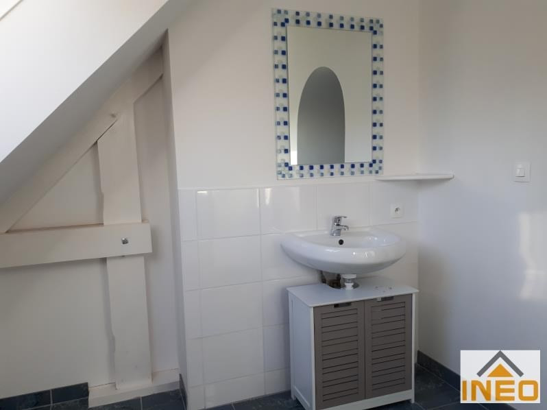 Location maison / villa Bedee 935€ CC - Photo 6
