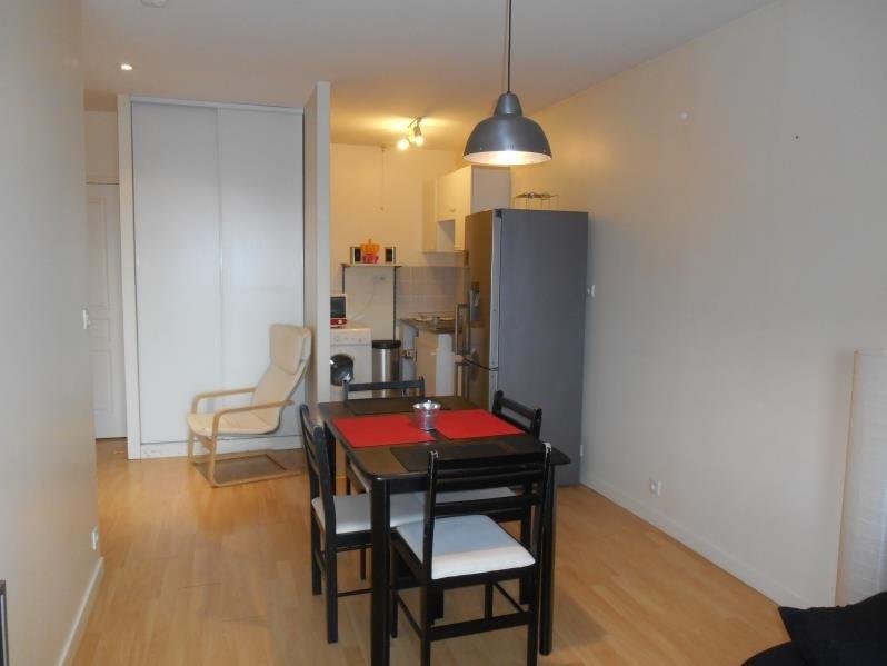 Location appartement Saint julien les villas 470€ CC - Photo 2