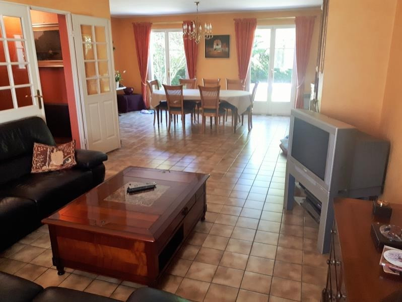 Sale house / villa Osny 460600€ - Picture 2