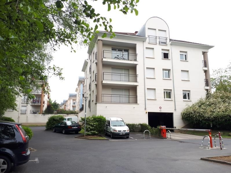 Sale apartment Osny 129900€ - Picture 1