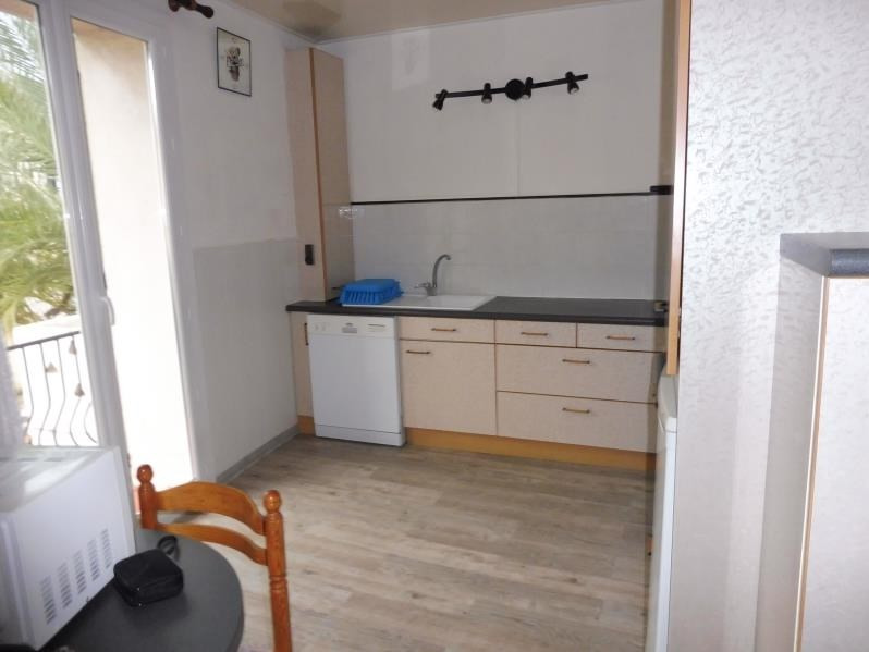 Rental apartment St just 843€ CC - Picture 5