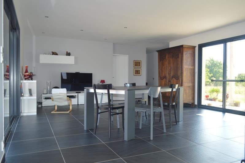 Sale house / villa L isle jourdain 315000€ - Picture 4