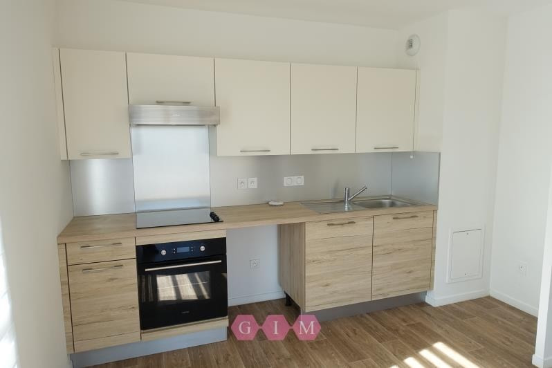 Rental apartment Carrieres sous poissy 999€ CC - Picture 3
