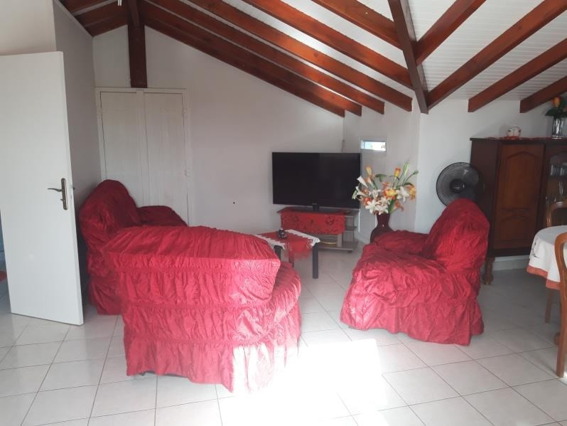 Rental apartment Ste anne 650€ CC - Picture 5