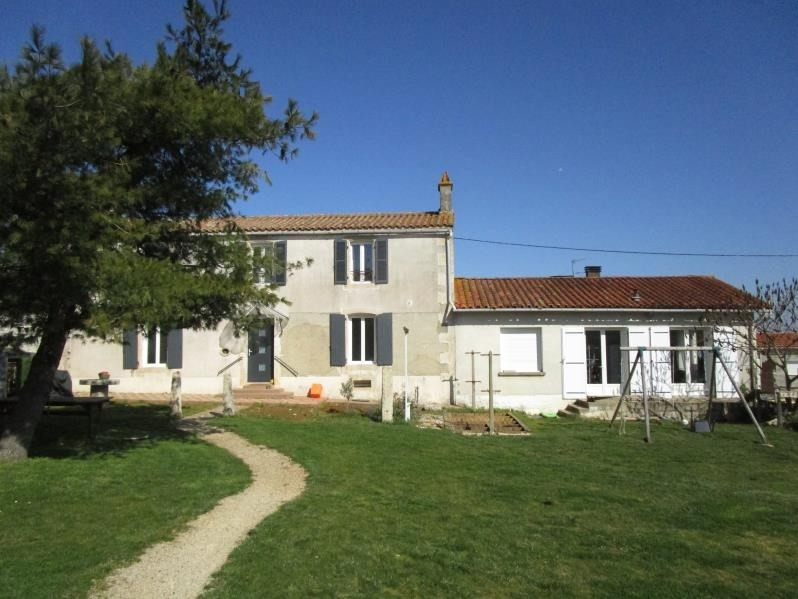 Sale house / villa Cherveux 198900€ - Picture 1
