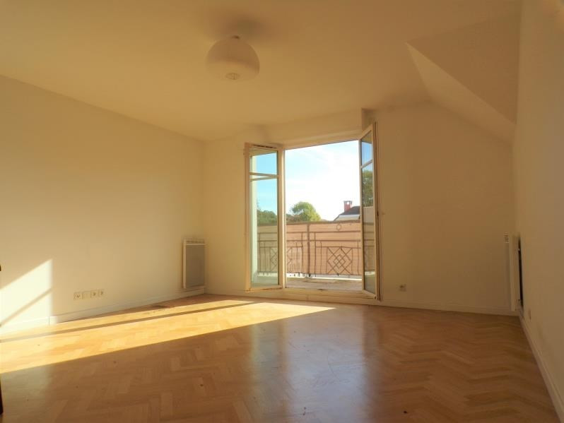 Location appartement Buc 1 210€ CC - Photo 2