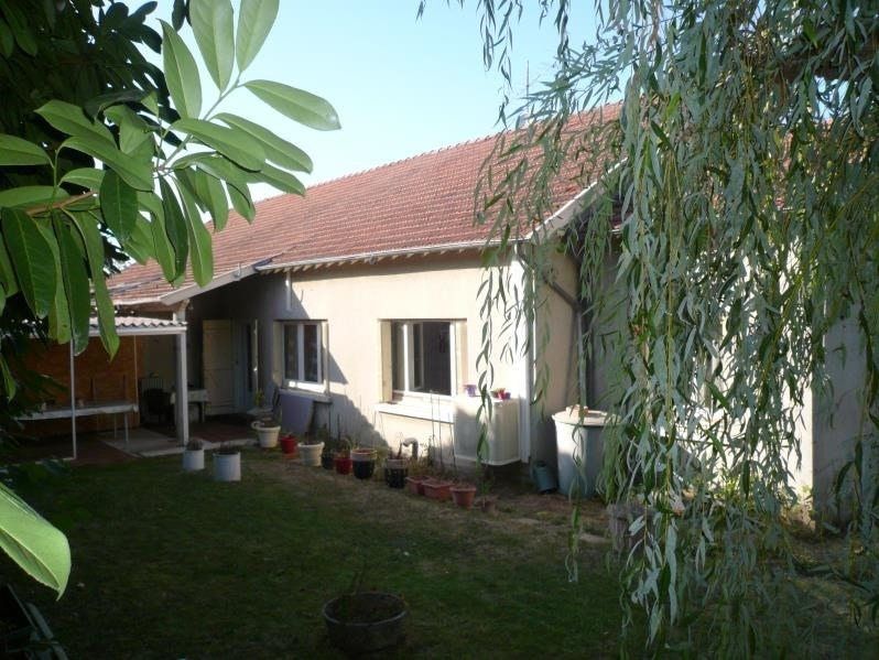 Sale house / villa La ferte gaucher 207 000€ - Picture 1