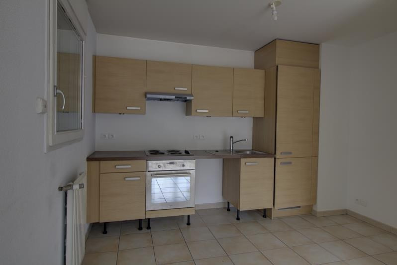 Location appartement Sallanches 950€ CC - Photo 3