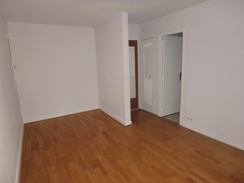 Location appartement Viroflay 626€ CC - Photo 2