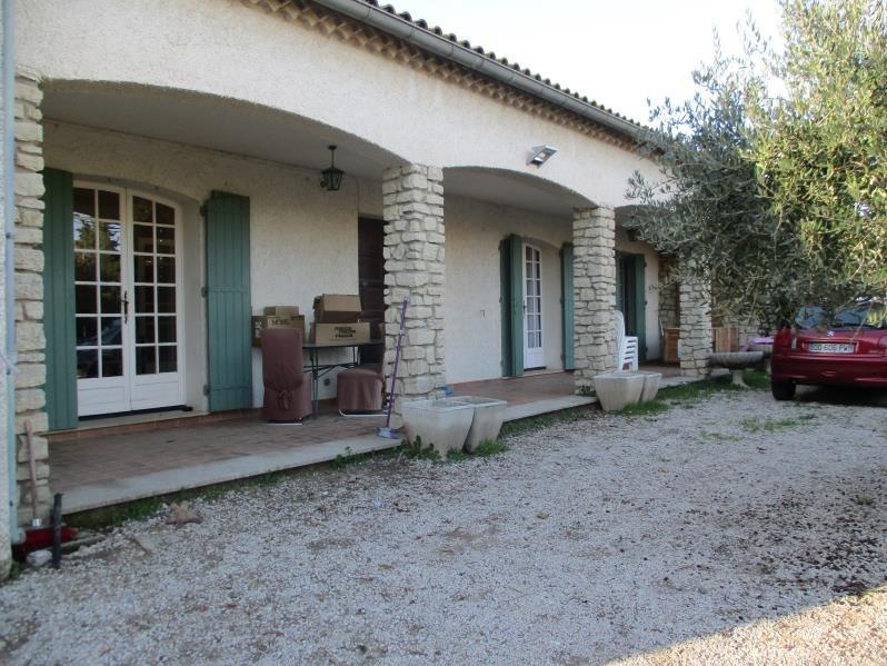 Location maison / villa Salon de provence 1170€ CC - Photo 1