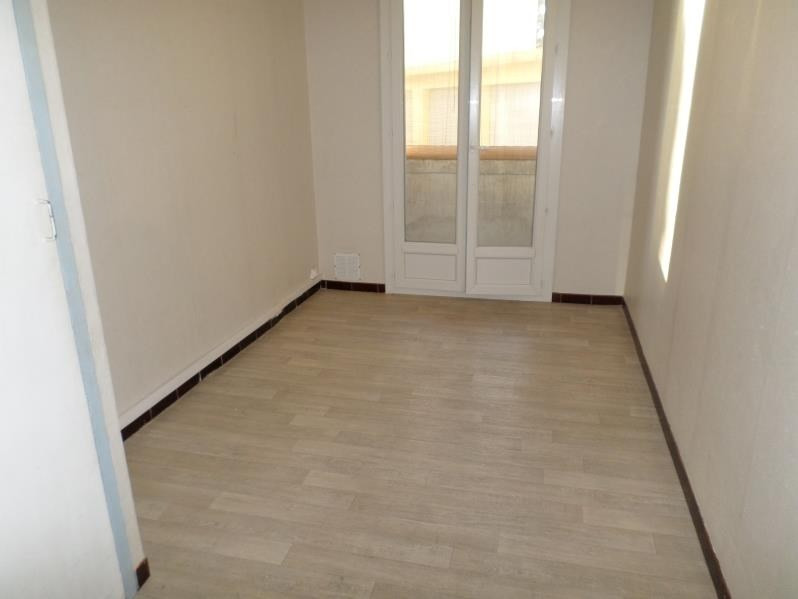 Sale apartment Salon de provence 111 000€ - Picture 4