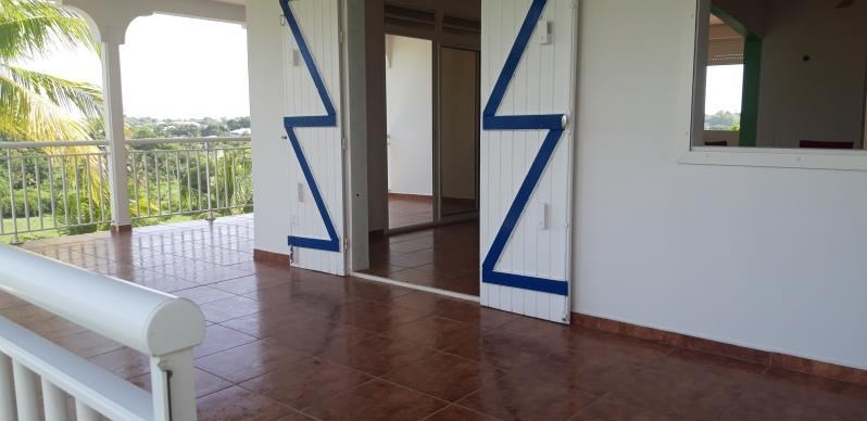 Rental house / villa Ste anne 700€ CC - Picture 6