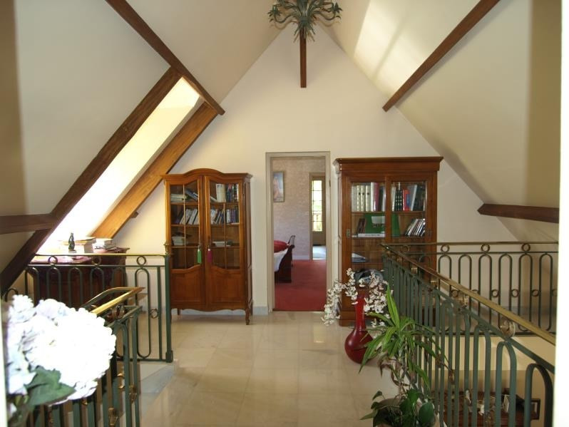Sale house / villa Montfort l amaury 840000€ - Picture 5