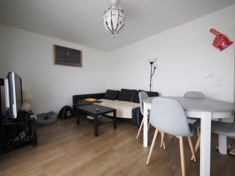 Rental apartment Bois d'arcy 885€ CC - Picture 1
