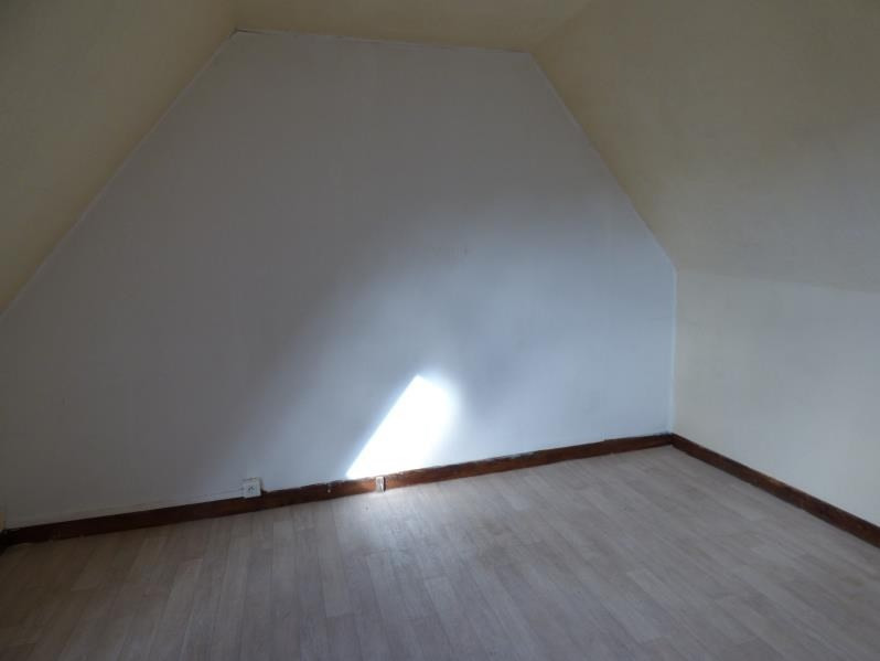 Location maison / villa Coatascorn 360€ CC - Photo 5