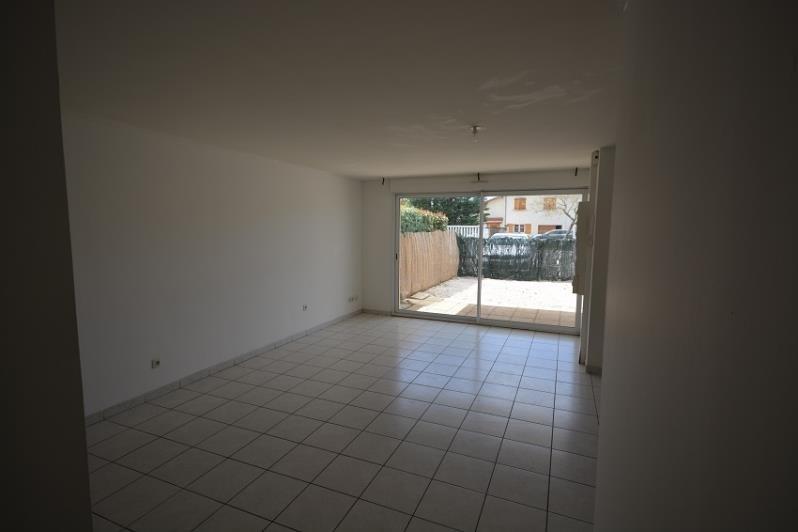 Locação apartamento Chamagnieu 690€ CC - Fotografia 3