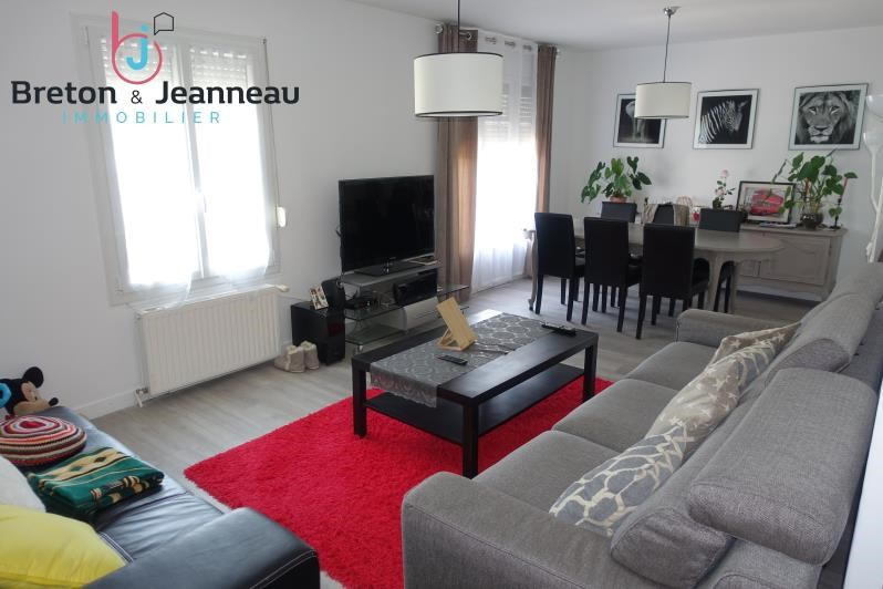 Sale house / villa Laval 156 000€ - Picture 1