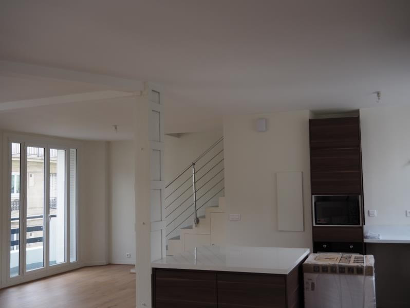 Location appartement Paris 18ème 2 900€ CC - Photo 5