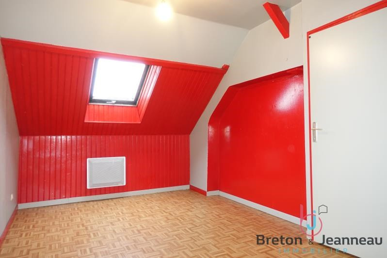 Sale house / villa St ouen des toits 74500€ - Picture 3