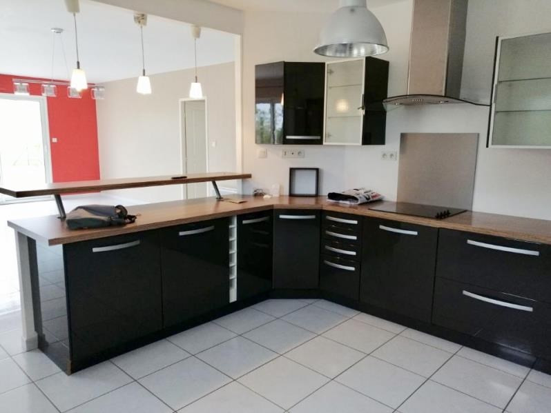 Location maison / villa Epannes 830€ CC - Photo 3