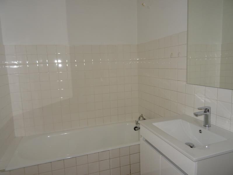 Location appartement Le coteau 480€ CC - Photo 4