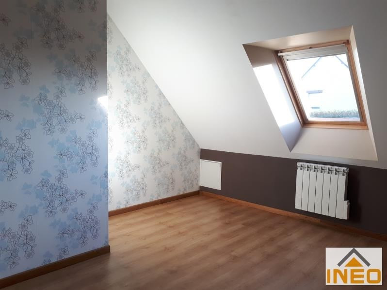 Location maison / villa Bedee 935€ CC - Photo 9