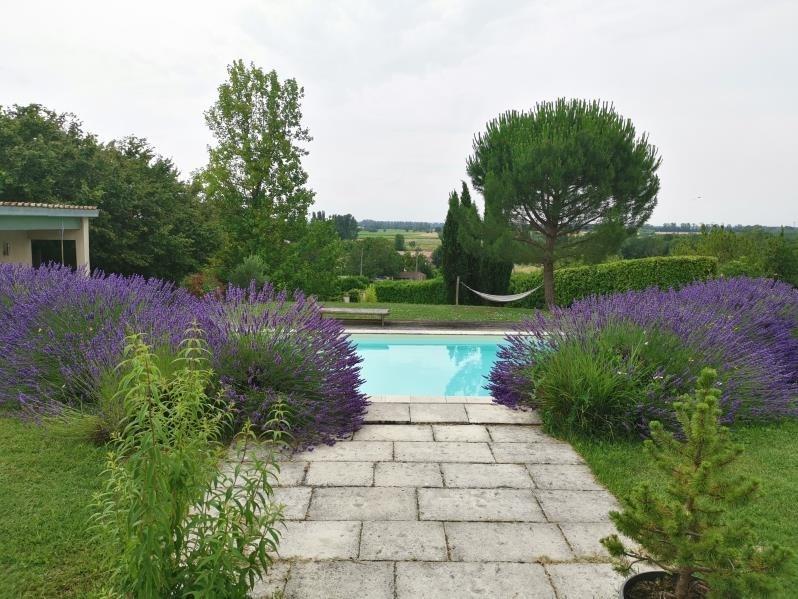 Deluxe sale house / villa Prignac et marcamps 714000€ - Picture 2