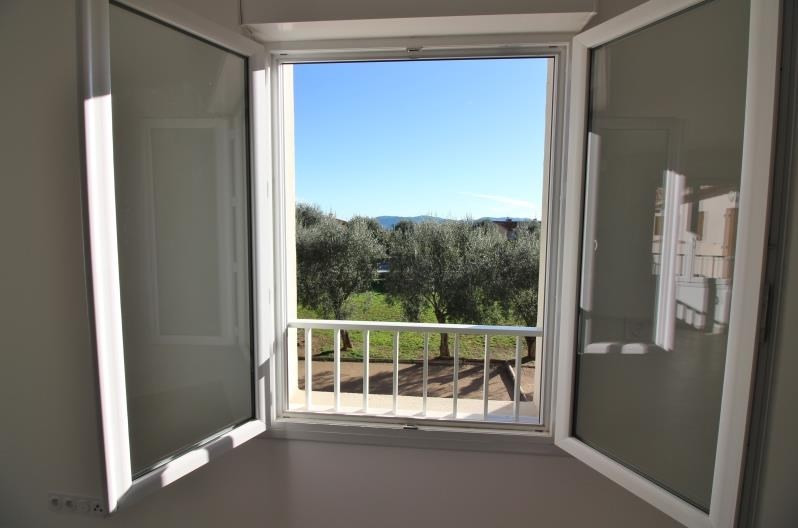 Location appartement Speracedes 750€ CC - Photo 3
