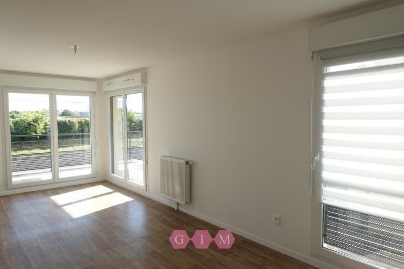 Rental apartment Carrieres sous poissy 999€ CC - Picture 2