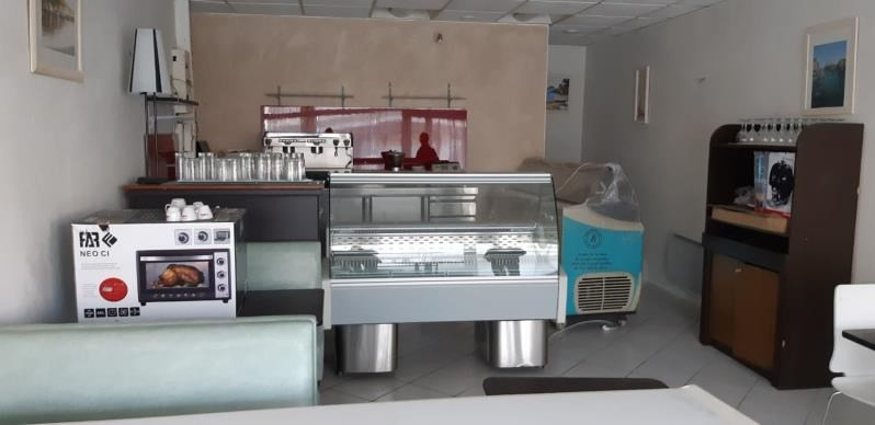 Location local commercial Acheres 971€ HT/HC - Photo 2