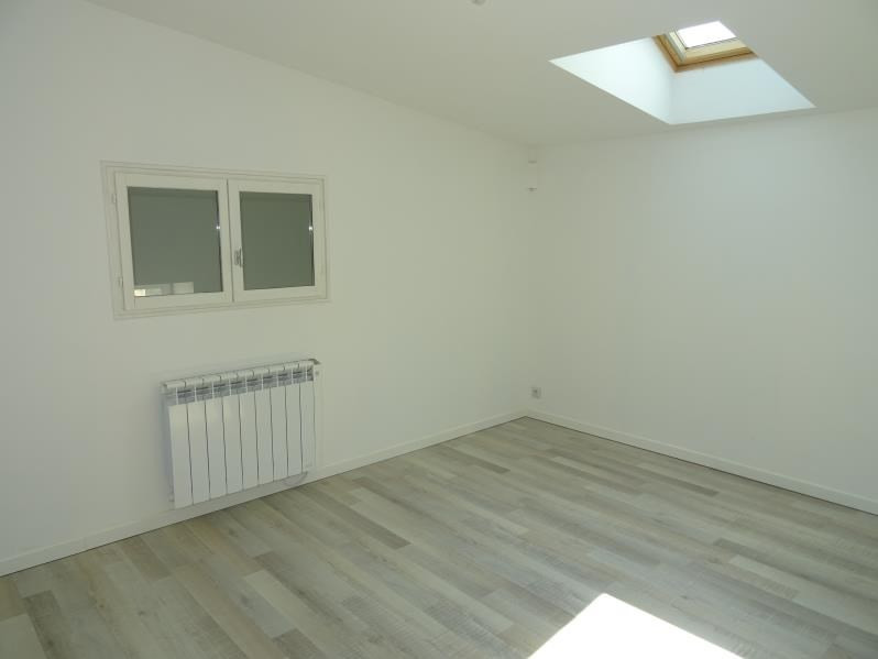 Location appartement Renaison 490€ CC - Photo 5