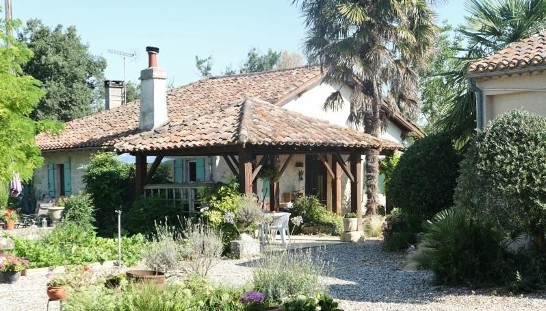 Sale house / villa Miradoux 374 000€ - Picture 2