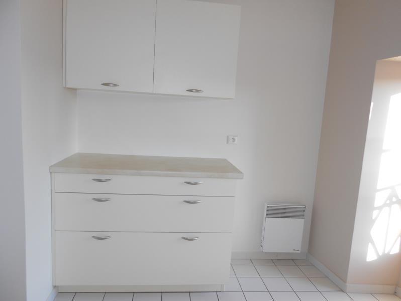 Rental apartment Provins 830€ CC - Picture 2