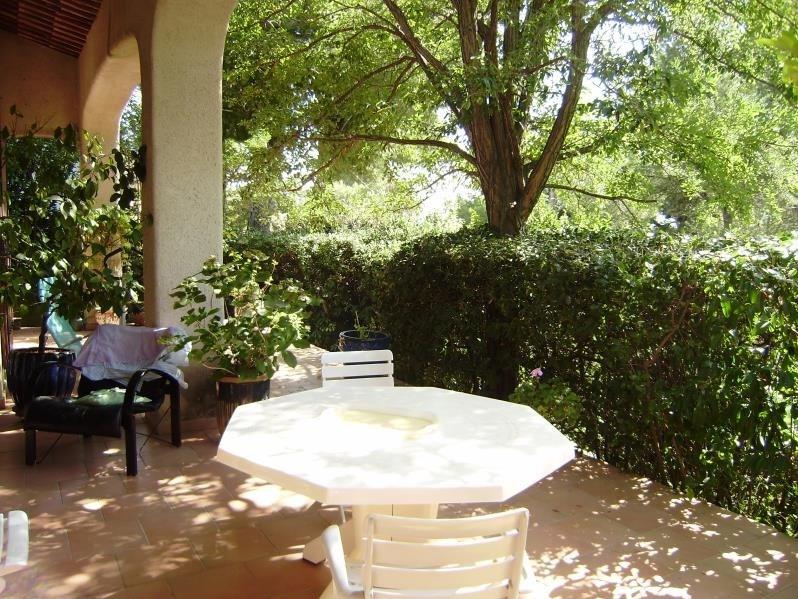 Deluxe sale house / villa Salon de provence 574000€ - Picture 3