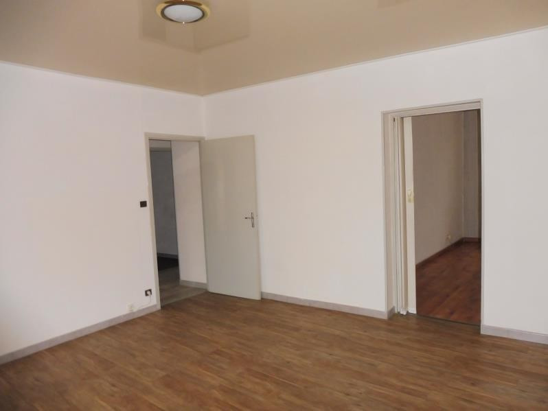 Rental apartment St just 843€ CC - Picture 2
