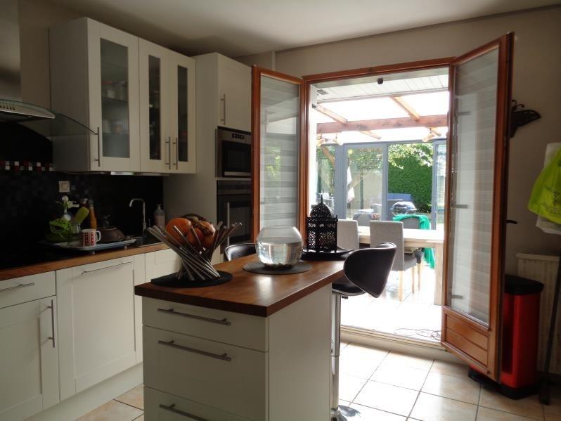 Sale house / villa Neuilly en thelle 303000€ - Picture 3